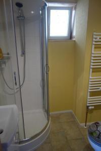 Ein Badezimmer in der Unterkunft Pension Gottesgrün