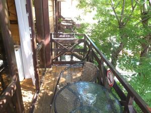 A balcony or terrace at Терем у реки