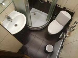 A bathroom at Терем у реки