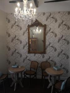 Un restaurante o sitio para comer en Palacete de La Alameda