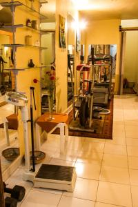 The fitness centre and/or fitness facilities at Marhaba Palace Hotel