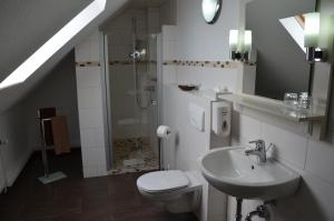 A bathroom at Pension Laabs
