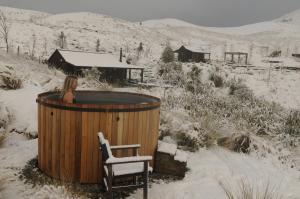Hawkridge Chalet - Honeymooners Chalet during the winter
