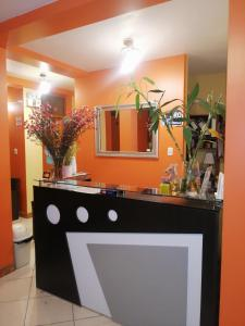 The lobby or reception area at Nasca Travel One Hostel