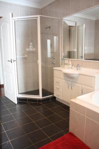 A bathroom at Serenity on Narrabeen Beach - 1Bdr beachside retreat
