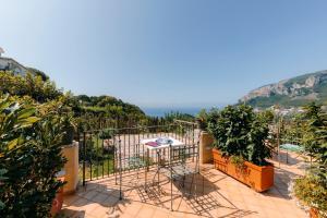 A balcony or terrace at Hotel Villa Maria