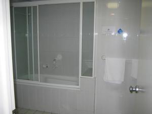 A bathroom at Casablanca Palms