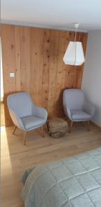 A seating area at Caveau de l'ami Fritz