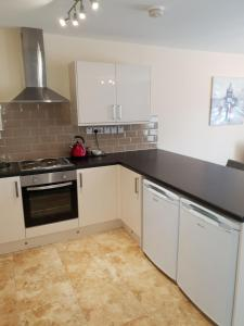 A kitchen or kitchenette at Clifton House