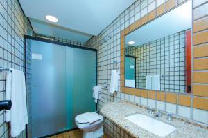 A bathroom at Falls Galli Hotel
