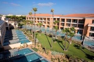A view of the pool at Hipotels Barrosa Palace & Spa or nearby