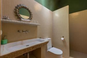 Un baño de Refugio Marnes