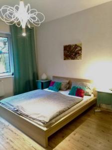 Ein Bett oder Betten in einem Zimmer der Unterkunft Ferienwohnung Hannover Holtmann