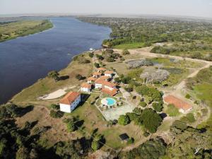 Uma vista aérea de Pantanal Park Hotel