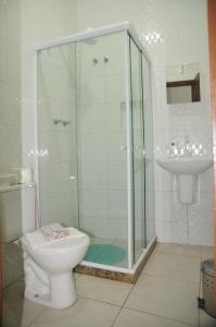 A bathroom at CANTO DA ARVORE 1