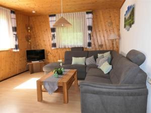 Ein Sitzbereich in der Unterkunft Untermetzgersbauernhof Alpirsbach