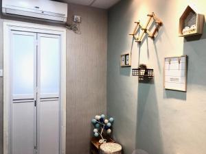 A bathroom at Owl Hostel