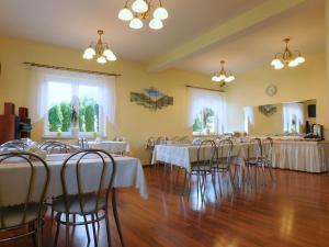 Restauracja lub miejsce do jedzenia w obiekcie Willa na Stoku