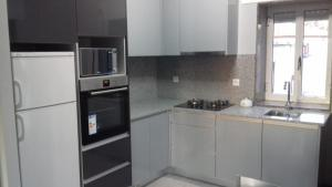 Una cocina o zona de cocina en CASA DO SANTO
