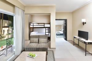 Двох'ярусне ліжко або двоярусні ліжка в номері Jaz Fanara Resort