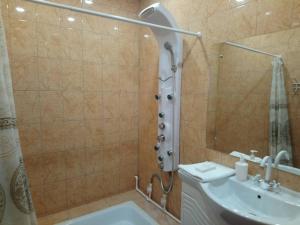 Ванная комната в Lux Guesthouse