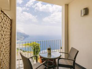 A balcony or terrace at Hotel Villa Fraulo