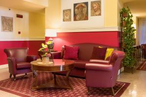 A seating area at Hotel Gran Duca Di York