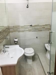 A bathroom at Hotel Giulietta e Romeo