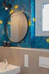 A bathroom at DD Suites Serviced Apartments