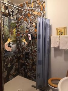 Un baño de Villa Luotola