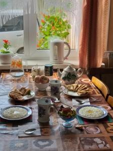 Breakfast options available to guests at Guest House Naran