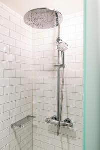 Ein Badezimmer in der Unterkunft pentahotel Eisenach