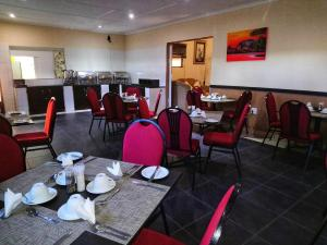 A restaurant or other place to eat at St Lucia Lodge