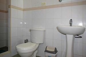 A bathroom at Hostal Dr Lara y Sra Yuda