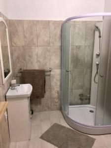 Vannas istaba naktsmītnē Guesthouse Sidrabozoli