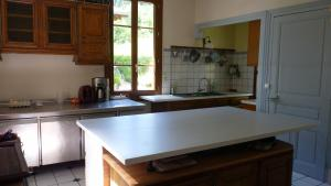 A kitchen or kitchenette at Domaine de la Sauge