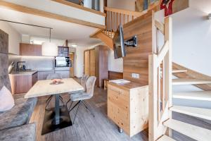 A kitchen or kitchenette at Hotel Andy 4s