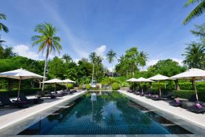 The swimming pool at or near Twin Lotus Resort and Spa