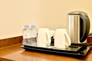مرافق لصنع الشاي والقهوة في فندق حياة الذهبي