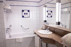 Salle de bains dans l'établissement Vichy Celestins Spa Hotel