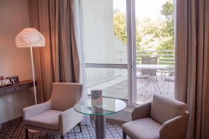 Coin salon dans l'établissement Vichy Celestins Spa Hotel