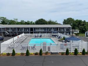 A view of the pool at The Tidewater Inn - Cape Cod or nearby