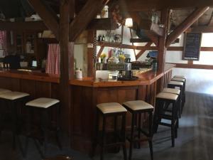 Ein Restaurant oder anderes Speiselokal in der Unterkunft Altstadtpension Zirndorf