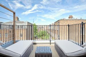A balcony or terrace at Sonder — Sloane Square