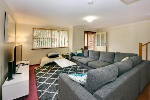 A seating area at Carrington Terrace No 2 at South West Rocks
