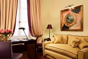 Area soggiorno di Hotel L'Orologio