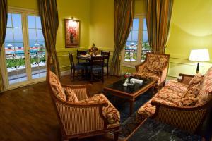 منطقة جلوس في فندق هلنان اوبرج الفيوم