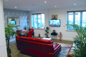 The lobby or reception area at Luxury Double Room 17min to Wembley Stadium 22min to Camden 35min to Central London