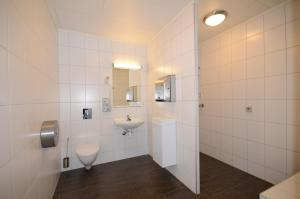 A bathroom at Fagernes Camping