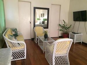 A seating area at Casa Joaquin BnB